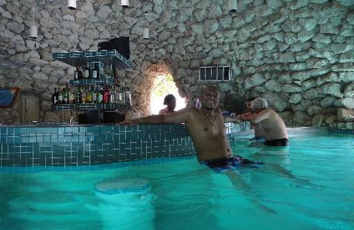 Taino Beach Resort Harborside Bahamas